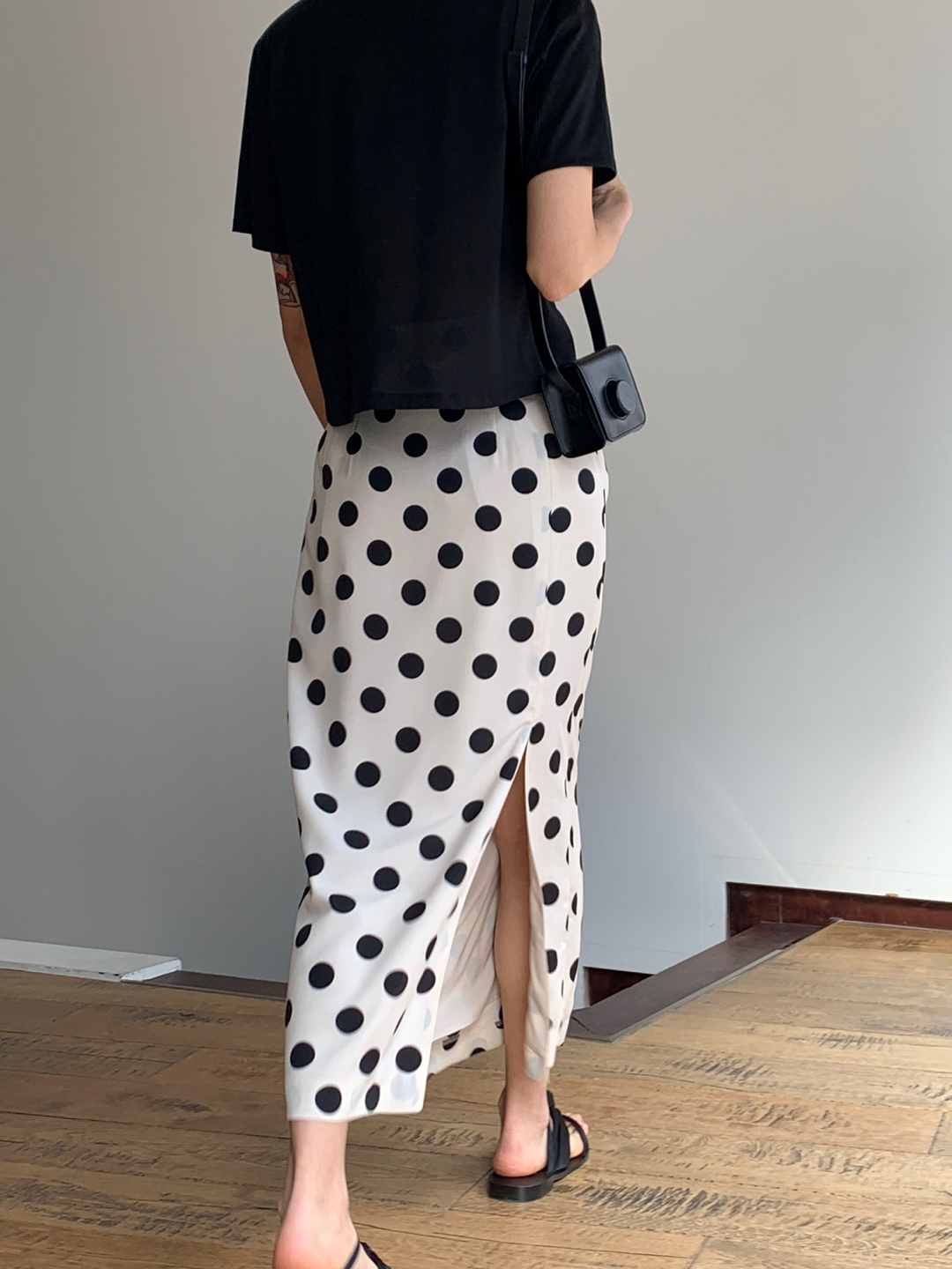 dot slit skirt